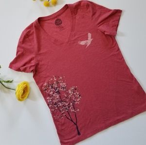 Life is good red tree and bird in flight tshirt